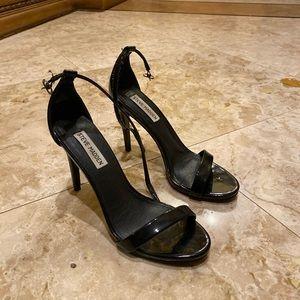 Steve Madden Stecy Black Heels